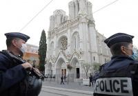Во Франции после убийства учителя заведено 187 дел