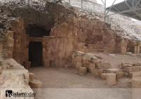 Фото: пещера, в которой Аллах скрыл семью Пророка Лута (а.с.)