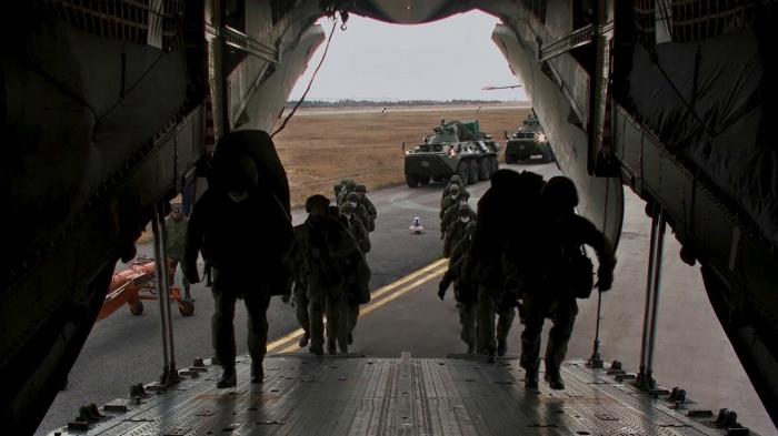 Российские миротворцы продолжают прибывать в Карабах.