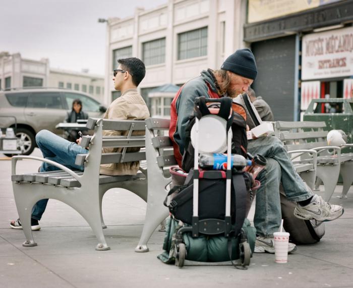 В отрасли розничной и оптовой торговли, ремонта автотранспортных средств и мотоциклов с 1 января по 31 июля количество безработных повысилось на 285 708 человек — до 378 175 безработных