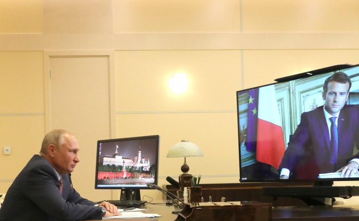 Лидеры России и Франции обсудили антитеррор и Карабах.