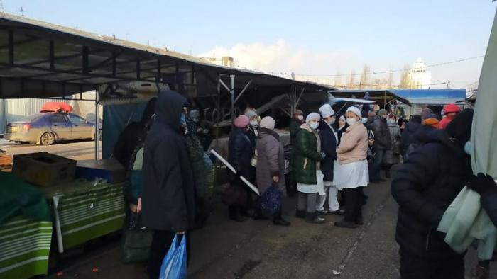 Неизвестные сообщили о бомбе, заложенной на Московском рынке.