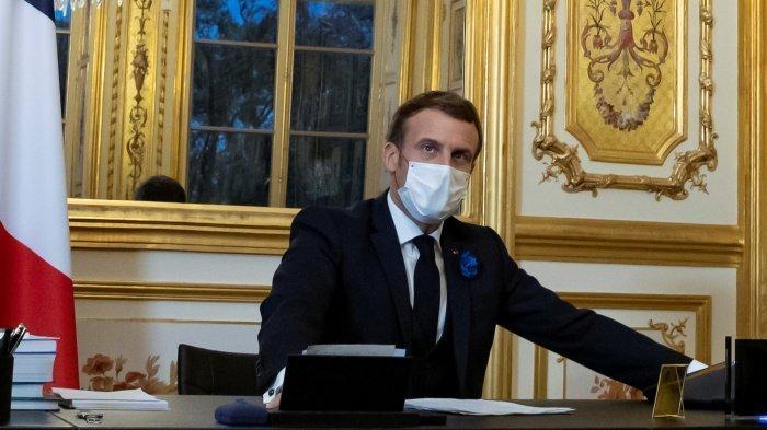 Президент Франции втсретился с мусульманскими лидерами страны.