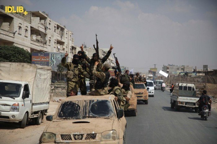 Правозащитники заявили о преступлениях против мирных жителей в Идлибе.
