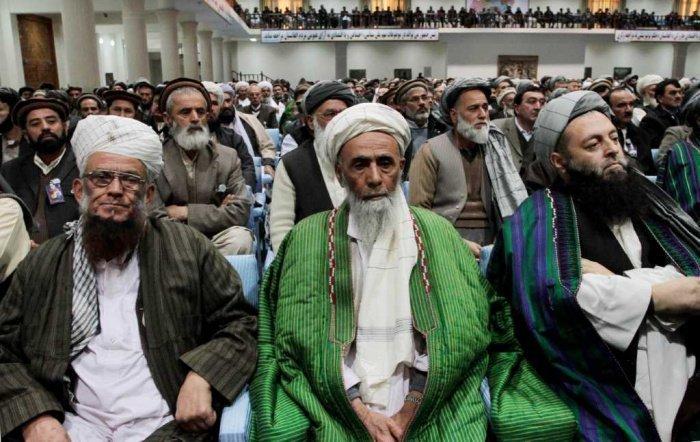 Афганские священнослужители выступили против войны, которую ведут талибы.