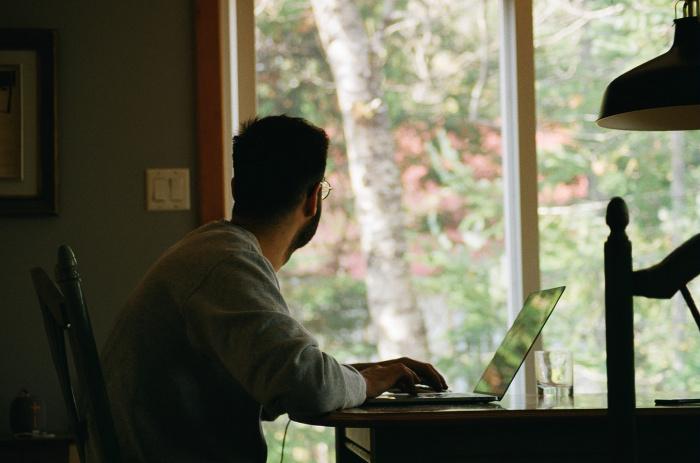 Минтруд проводит эксперимент по цифровизации кадрового делопроизводства, к нему подключены свыше 178 работодателей с более чем 2 млн. сотрудников