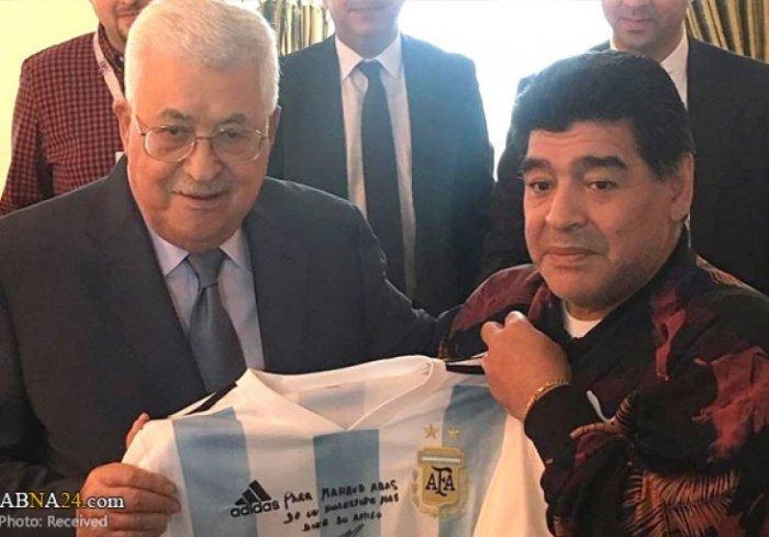 Аббас и Марадона на одной из встреч.
