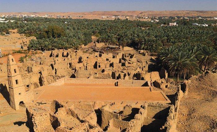 Мечеть, в которой чтение намаза не прекращается уже 1300 лет
