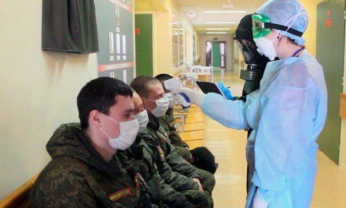 В Минобороны рассказали о вакцинации военных от коронавируса.