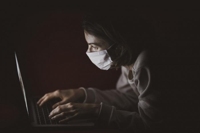 Вирусолог добавил, что многие столичные жители сдают тесты на коронавирус в коммерческих лабораториях
