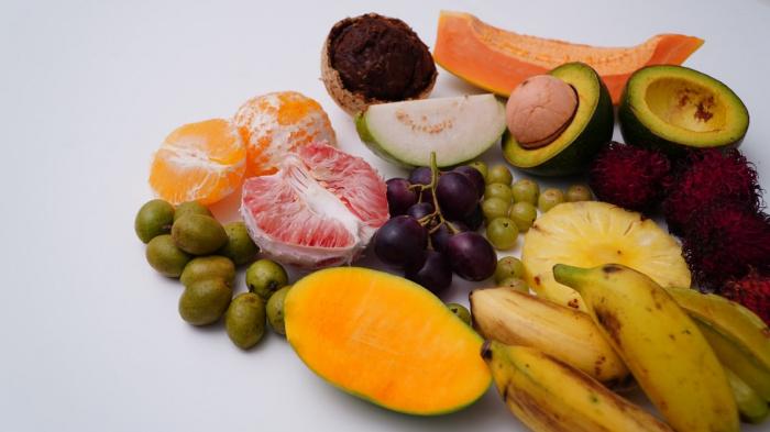 """Ананас, манго, бананы, дыня и другие сладкие тропические фрукты содержат много скрытого сахара и способны """"застать врасплох"""" диабетиков"""