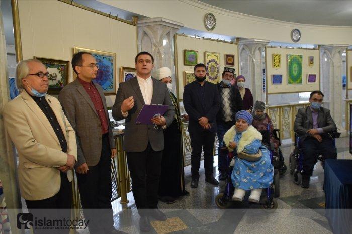 Выставка «Мастера татарского шамаиля: Рушания Гаязова и Атлас Галимов».