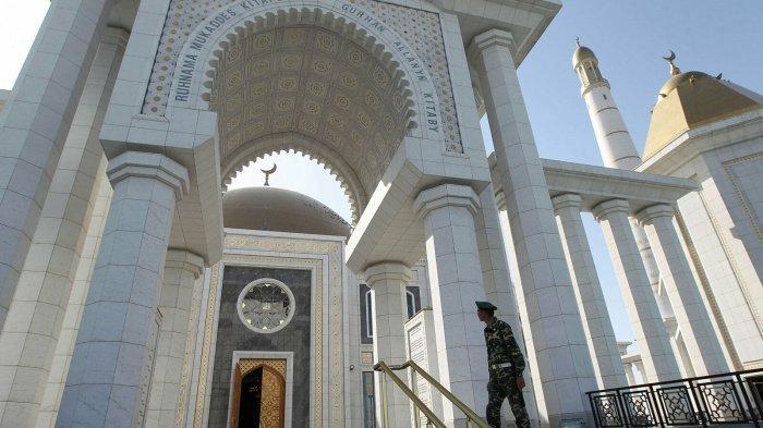 Мечети Туркменистана не будут открыты до конца года.