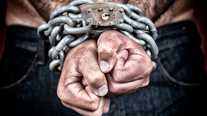 Генсек ООН призвал бороться с современными формами рабства.