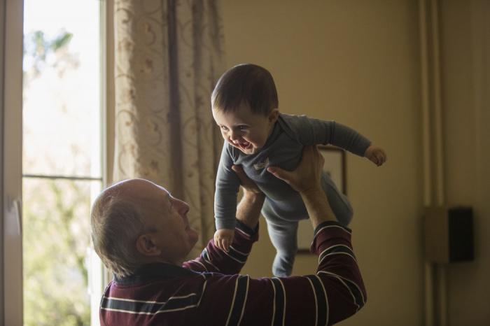 Биолог рассказала о преждевременном старении после коронавируса