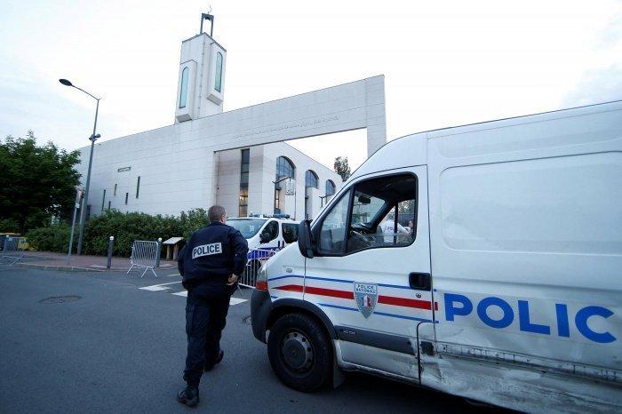Во Франции проведут масштабную проверку мечетей.