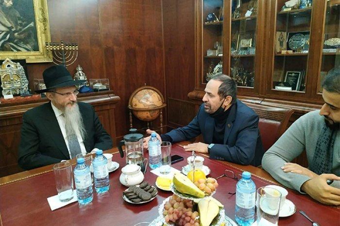 Берл Лазар и Али Рашид ан-Нуайми на встрече в Москве.