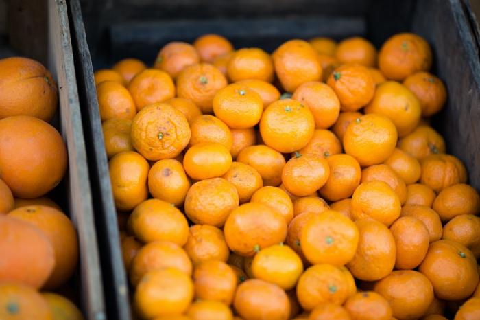 Если человек предпочитает именно абхазские мандарины, то их лучше искать на прилавках только после середины декабря