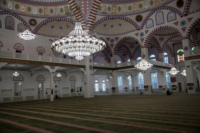 Богослужения в мечетях Дагестана будут проходить без верующих.