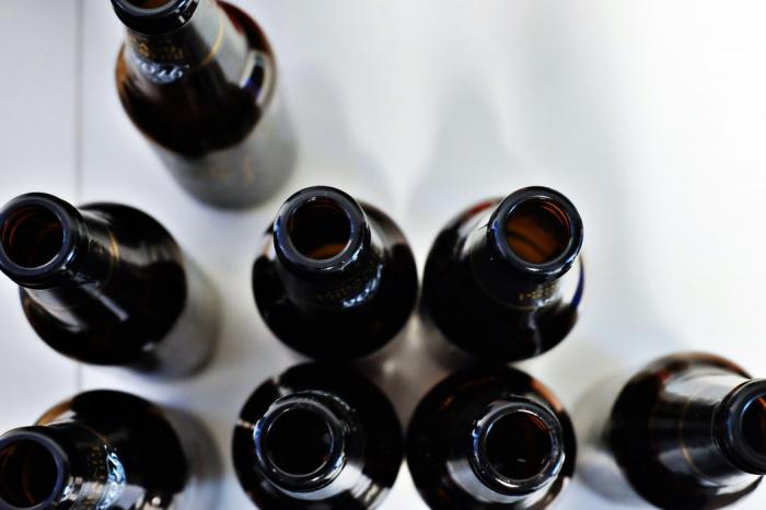 Другим неожиданным последствием чрезмерного употребления алкогольных напитков является выпадение волос