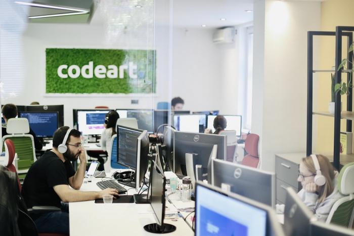 Наиболее неприятным при работе через Интернет остается игнорирование сообщений и звонков: так ответили 7%