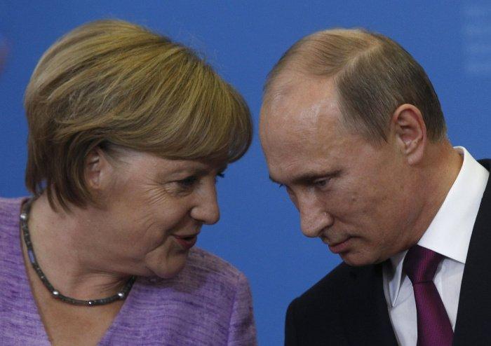Лидеры России и Германии провели телефонные переговоры.