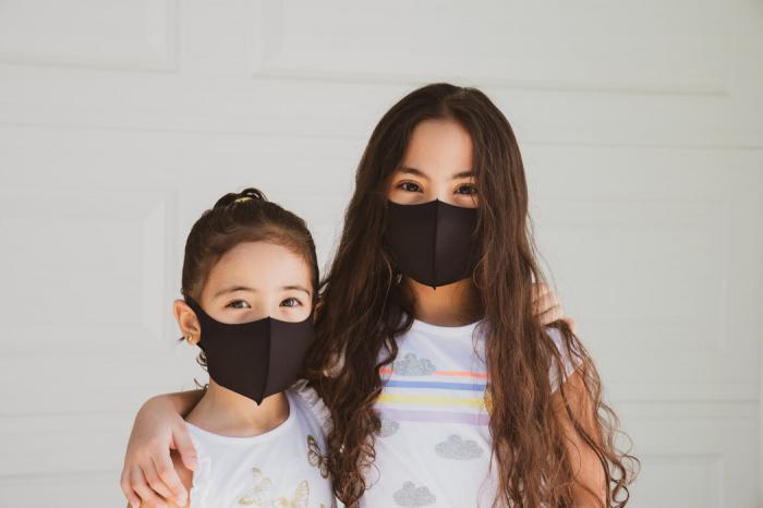 Введение повсеместного ношения масок снижает суточный прирост зарегистрированных случаев инфицирования COVID-19 на 47%