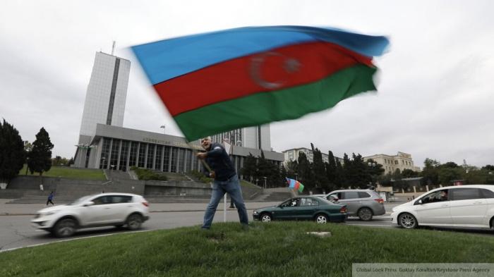 Парламент Азербайджана принял решение об отмене военного положения.