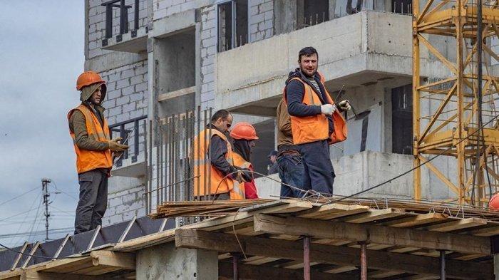 В МВД назвали число трудовых мигрантов в России.