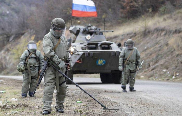 Российские саперы продолжают работу в Карабахе.