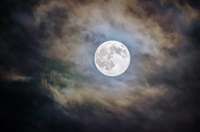 Последний раз рукотворные объекты покидали спутник Земли 44 года назад (советская «Луна-24» в 1976 году)