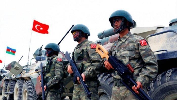 Турецкие военные прибыли в Азербайджан.