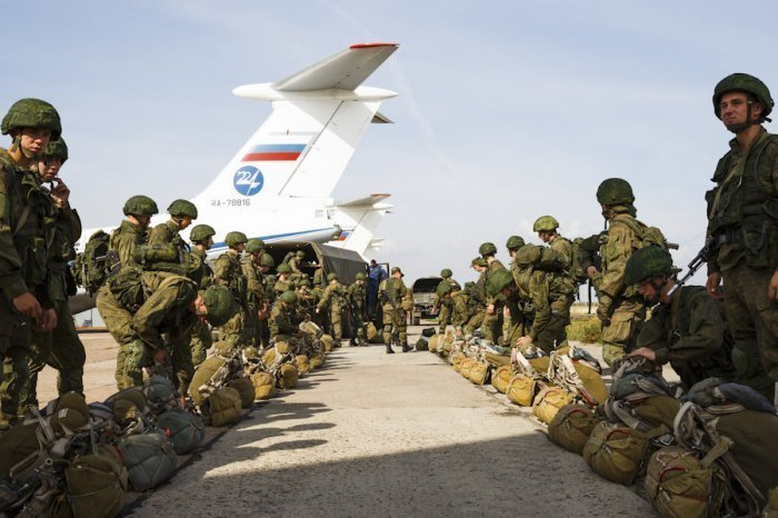 Еще 300 российских военных прибыли в ЦАР.