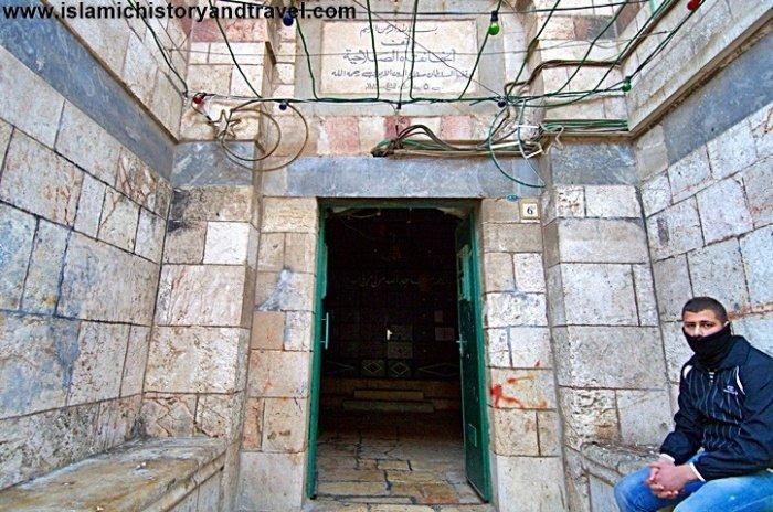 Вход в комплекс и мечеть Ханка Салахийя