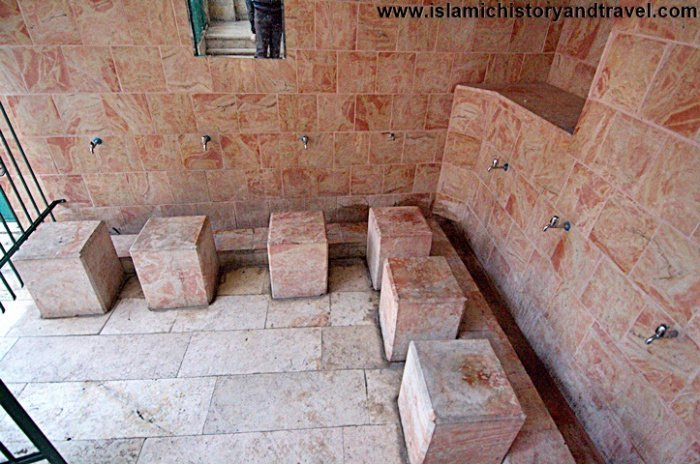 Помещение для совершения омовения в мечети Салах ад-Дина