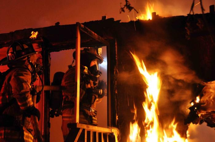 Больше всего чрезвычайных происшествий с недвижимостью происходит в новогодние каникулы