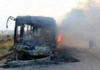 Около 30 человек погибли при террористической атаке на автобус в Сирии