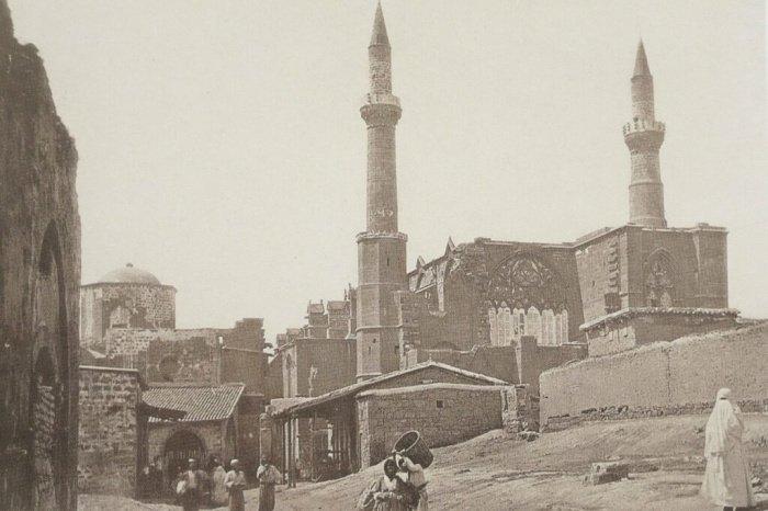Христианский собор с минаретами: мечеть Селимие, не похожая на мечеть. (Источник фотографий: architectural-review.com)