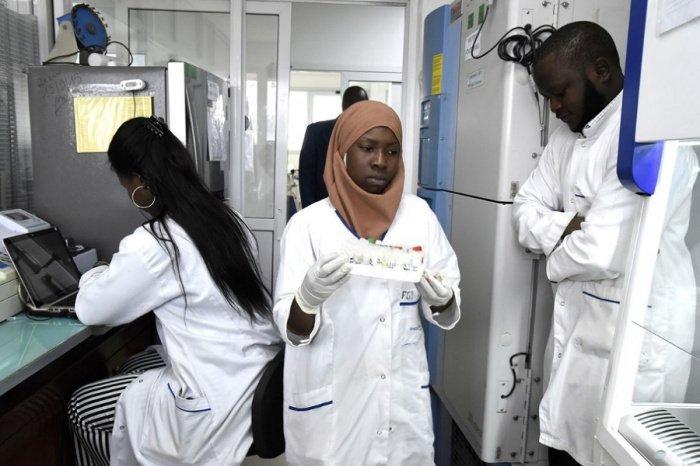Власти Гвинеи в экспериментальном порядке начали вакцинацию российским препаратом.