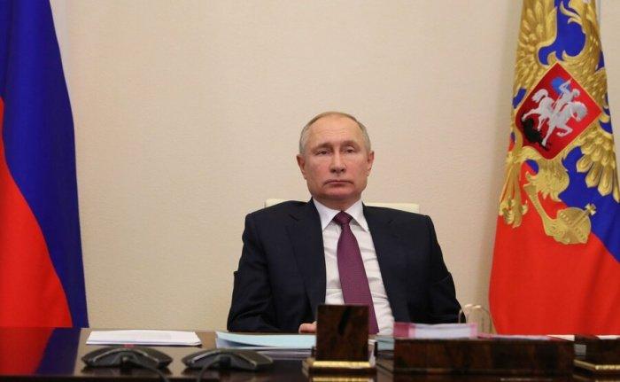Трехсторонние переговоры лидеров России, Азербайджана и Армении начались в Москве.