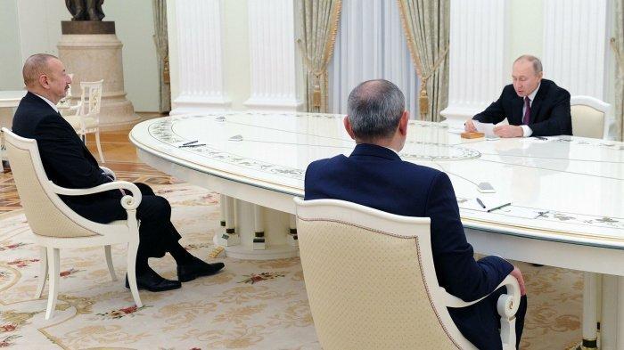 В Москве прошли переговоры лидеров России, Армении и Азербайджана.