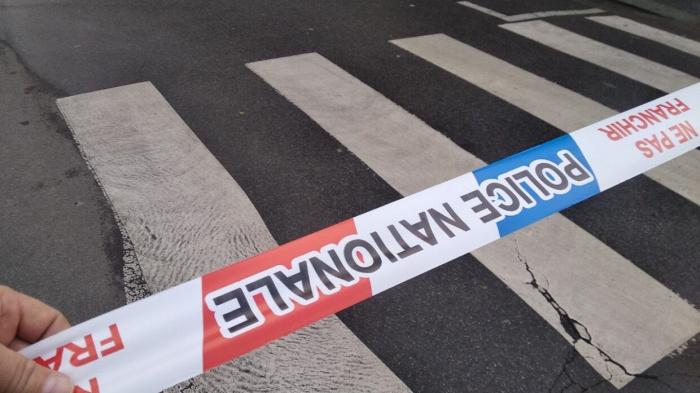 Угрозы со стороны подростков-радикалов привели к закрытию школы во Франции.