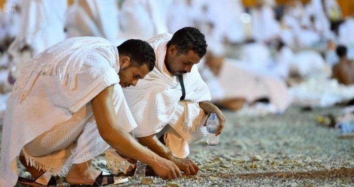 Историческое и символическое значение самого опасного обряда хаджа. (Источник фотографий: english.alarabiya.net)