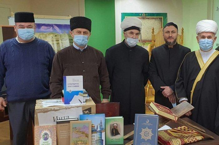 Мусульмане Коми получили переводы смыслов Куръана от ДУМ РТ.