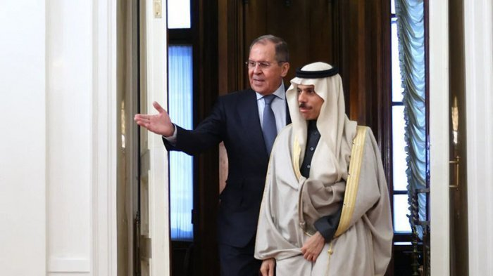 Сергей Лавров провел переговоры с саудовской делегацией.