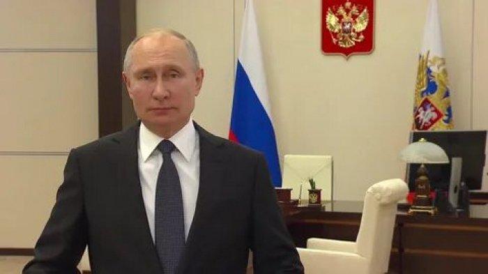 Владимир Путин поздравил Следственный комитет с 10-летием.