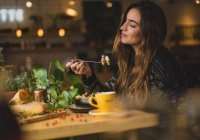 Установлено, как питание влияет на продление жизни и молодости