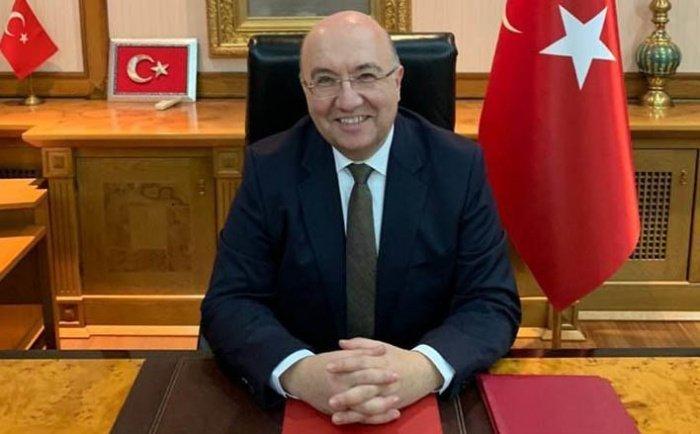 Мехмет Самсар.