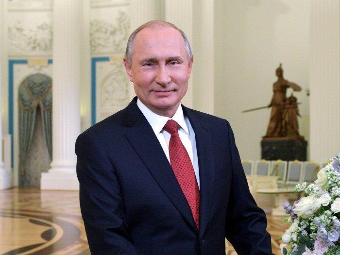 Президент РФ поздравил жителей Дагестана со 100-летием республики.