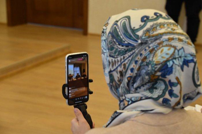 С вопросами о работе татарского онлайн-медресе можно обращаться в официальный аккаунт проекта в Instagram @tatarmedrese